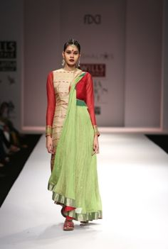 Vaishali S. Spring/Summer Collection 2013 – Hand-woven Elements