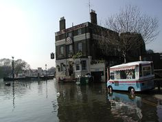 What happens at high tide in Richmond, The White Cross Pub Richmond Surrey, Richmond Upon Thames, Growing Up British, Those Were The Days, White Crosses, High Tide, My Past, Kingston, Memories