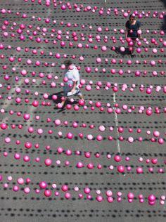 Pink Balls. Montréal. Claude Cormier.