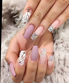 In seek out some nail designs and ideas for your nails? Listed here is our list of 12 must-try coffin acrylic nails for fashionable women. Sexy Nails, Hot Nails, Fancy Nails, Hair And Nails, Pink Nails, Fabulous Nails, Gorgeous Nails, Pretty Nails, Boys With Tattoos