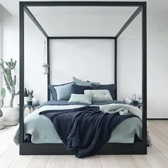 cube bed by Bedding Master Bedroom, Blue Bedroom, Dream Bedroom, Modern Bedroom, Narrow Bedroom, Interior Exterior, Home Interior, Interior Design, Bedroom Inspo