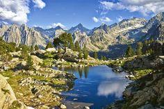 Hoewel het onmogelijk is om in termen van esthetica te praten als je het over de natuur hebt, is het zeker dat het Nationale Park Aigüesto...