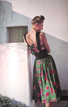 Photo by Louise Dahl-Wolfe, 1942.1940s fashion