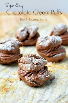 What's better than a cream puff for Valentine's Day? A Super Easy CHOCOLATE Cream Puff. I always thought making cream puffs was hard. Stacey made these traditional cream puffs a while back and they use a pudding Chocolate Cream, Chocolate Desserts, Fun Desserts, Delicious Desserts, Dessert Recipes, Yummy Food, Oreo Cream, Profiteroles, Eclairs