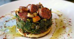 χόρτα τσιγαριαστά με ταλαγάνι και λουκάνικο μαύρου χοίρου - Pandespani.com Avocado Toast, Sprouts, Menu, Vegetables, Cooking, Breakfast, Food, Vegetable Garden, Gourmet
