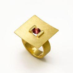 Künstler – Galerie Isabella Hund, Schmuck gallery for contemporary jewellery