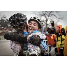 Absolutely love this moment caught by @mcmahon_meg of Allison Arensman celebrating her D-2 collegiate win at the CX nationals in Austin. Check out Meg's page to see some amazing photos of the event including a great one of Katie Compton winning her 11th national title in a row!  please #cyclelikeagirl to share your stories and follow @cyclelikeagirl to promote women's cycling together .  #cx #cyclocross #cxnats #cxnats2015 #austin