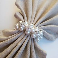 - Pearl Napkin Rings - White napkin rings - Wedding Table Decoration - Beaded Napkin Rings - Set of 12 Set of 12 pearl napkin rings These elegant napkin rings will give a beautiful final touch on the wedding deco Wedding Table Deco, Wedding Napkins, Wedding Decoration, Bow Tie Napkins, White Napkins, Beaded Napkin Rings, Napkin Ring Folding, Diy Napkin Rings, Wedding Napkin Folding