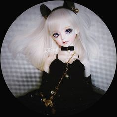 https://flic.kr/p/shEoBU | ✶ | Most of my girls happen to love black color and Penny is no exception.