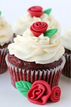 How to make Fondant Roses and Leaves » Glorious Treats