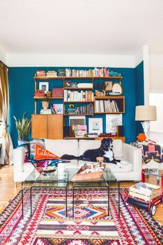 BOHEMIAN RUG | Colorful modern rug for a trendy interior design | For more inspirational ideas take a look at: www.bocadolobo.com #rugideas #modernrugs #luxuryrugs