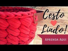 Ecologicamente correto, barato e com bom rendimento, o fio de malha é um dos materiais… Crochet Storage, Crochet Diy, Crochet Home Decor, Love Crochet, Crochet Granny, Chrochet, Crochet Basket Pattern, Crochet Patterns, Crab Stitch