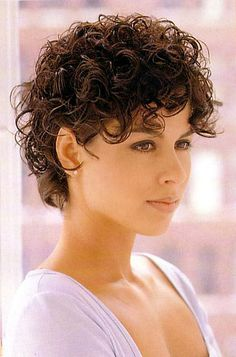 Page 08 - Short d - Curly hair styles - Curly Hair Styles, Short Curly Hairstyles For Women, Curly Hair With Bangs, Haircuts For Curly Hair, Curly Hair Cuts, Long Curly Hair, Short Hair Cuts, Layered Hairstyles, Hairstyles 2016