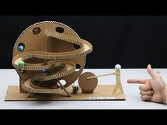 How to Make Big Marble Run Machine at Home Cardboard Paper, Cardboard Crafts, Paper Toys, Cardboard Playhouse, Cardboard Furniture, Marble Tracks, Marble Machine, Marble Games, Robots For Kids