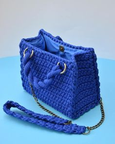 Best 12 48 Creative Free Crochet Bag Pattern Ideas for This Year Part crochet bag pattern; Free Crochet Bag, Bead Crochet, Crochet Lace, Crochet Stitches, Crochet Patterns, Crochet Bag Tutorials, Crochet Videos, Tutorial Crochet, Crotchet Bags