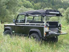 // Land Rover LR 90 V8