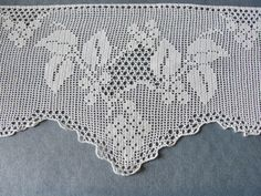 Vintage white Lace Trim for Tablecloth 28 x 29 by HotchPotchChina
