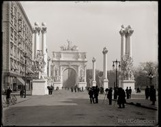 Dewey Arch, New York, N.Y., photographed by the Detroit Publishing Company around 1900 on 8x10 glass plate negative.