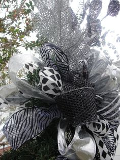 Bow Christmas 3 Piece Tree Black Silver White Topper Festive Holiday Silver  Leaves Wreath, Butterfly Florist Made