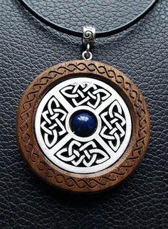 Todchic, Magische Zauberwelt, Holz, Amulett, Keltischer Knoten Schild