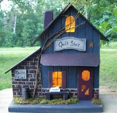 Vintage Folk Art Primitive Antique Quilt Shop Birdhouse Cabin Made in USA