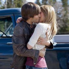 One of my favorite photos from Heartland that wasn't in the actual episode. Watch Heartland, Heartland Quotes, Heartland Amy, Ty Et Amy, Graham Wardle, Amber Marshall, Best Shows Ever, Season 4, Tv Shows
