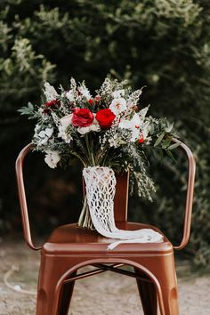 Bohiemian fall wedding inspiration | Macrame by TheLittleAvocado.com | Wedding & Party Ideas | 100 Layer Cake