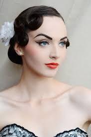 Cómo hacer un maquillaje pin-up #años #50 #maquillaje #makeover #makeup…