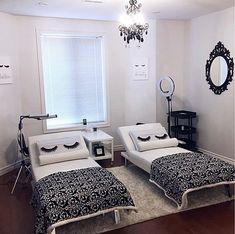 Lash Room Decorations (monse her. Home Spa Room, Spa Room Decor, Spa Rooms, Home Decor, Beauty Room Salon, Beauty Room Decor, Beauty Salon Decor Treatment Rooms, Esthetics Room, Tech Room