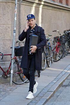 #Copenhagen #Streetstyle #Mensstyle #MONOBI Street Style Boy, Chesterfield Coat, Nike Lunar, Inspiration Mode, Best Mens Fashion, Fashion Essentials, Urban Outfits, Perfect Man, White Sneakers