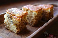 Deze Joodse honingcake maakten we voor het ontbijt in Argentinië. Het is een cake die je goed kunt bewaren. De combinatie walnoot en honing is wederom goed