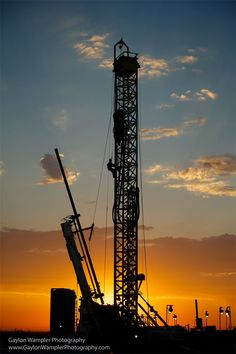 I can't imagine an oil & gas assignment without a sunrise and sunset. It's the early and late hours of the day that offer the most beautiful light of the day. - Oilpro.com