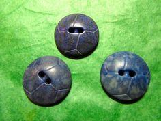 """(3) 3/4"""" MOTTLED BLUE PLASTIC 2-HOLE CHICAGO? COLT BUTTONS (D533)"""