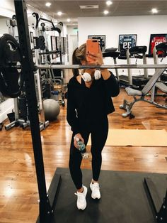 Super Fitness Motivation Pictures Girl Running Ideas Source by Style Outfits, Sporty Outfits, Athletic Outfits, Gym Outfits, Sport Motivation, Fitness Motivation Pictures, Moda Fitness, Fitness Goals, Fitness Tips