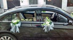 Arreglos florales para coches de bodas. www.floreriasfelicidad.com