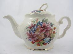 Crown Dorset English Collectables 6 Cup Queen Ann Teapot in Fresco Fruit