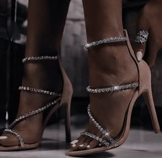 Queen Aesthetic, Aesthetic Shoes, Classy Aesthetic, Dr Shoes, Me Too Shoes, Shoes Heels, Justine, Cute Heels, Classy Heels