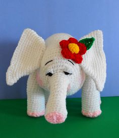 Amigurumi Baby Elephant - FREE Crochet Pattern and Tutorial by Sue Pendleton