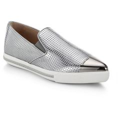 Miu Miu Metallic Leather Cap-Toe Sneakers (349.440 CLP) ❤ liked on Polyvore featuring shoes, sneakers, flats, apparel & accessories, silver, metallic sneakers, metallic slip-on sneakers, metallic flat shoes, slip on flats and slipon shoes