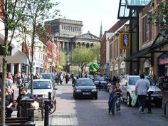 Friargate_Preston_on_a_busy_weekday_afternoon_-_geograph.org.uk_-_1710831.jpg (2592×1944)