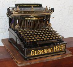 Typewriter For Sale, Antique Typewriter, Vintage Cash Register, Writing Machine, Old Technology, Art Nouveau, Retro Images, Weird Cars, Vintage Office