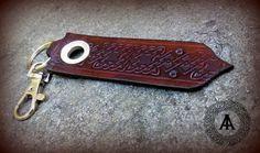 Leather celtic keychain di LaborARTorIA su Etsy
