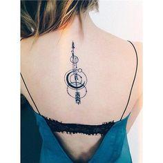 Σου αρέσουν τα γραμμικά τατουάζ; Τότε θα ΛΑΤΡΕΨΕΙΣ αυτά τα σχέδια