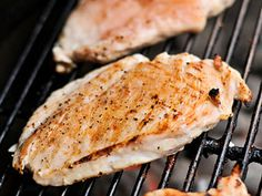 """The Best Juicy Grilled Boneless Skinless Chicken Breasts 