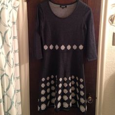 cozy sweater dress Size small, Nine West Knee- length sweater dress with cute flower pattern. Cotton/acrylic blend. Soft and comfortable. 3/4 length sleeves. Cute with tights and boots. Nine West Dresses Midi