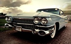 """The phrase """"classic cars"""" is somewhat vague. What exactly are the aspects that make a #car a classic? goo.gl/lBbnTm"""