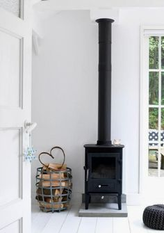 9 Pleasing Clever Ideas: Country Minimalist Decor Interiors minimalist home bedroom interior design.Modern Minimalist Kitchen Decor minimalist home bedroom interior design. Scandinavian Fireplace, Scandinavian Home, Interior Design Minimalist, Minimalist Decor, Minimalist Kitchen, Minimalist Bedroom, Contemporary Wood Burning Stoves, Home Fireplace, Fireplace Ideas