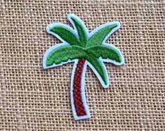 """Palm Tree Patches. Fer sur Patch pour les vestes et sacs à dos. Palm Tree Surf les patchs. Rock & Roll Grunge Punk bande rétro les patchs. Taille 3"""""""