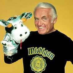 10 things you never knew about Ted Knight Kids Shows, Tv Shows, Ted Knight, Mary Tyler Moore Show, Too Close For Comfort, 80s Tv, Morning Show, Comedy Show, Perfect Man