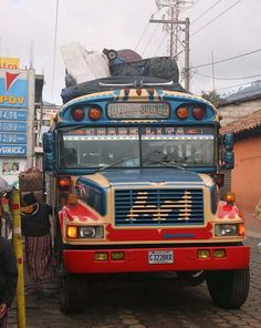 Where to go to be in the know.about travel Malta Bus, Belize, Where To Go, Buses, Blue Bird, Cambodia, Places To See, Folk Art, Volkswagen